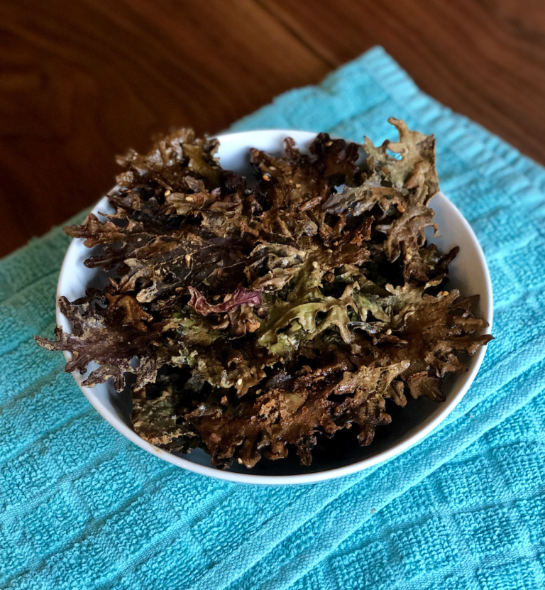 Peanut Sauce Crispy Kale Chips